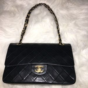 Authentic Double flap Chanel Lambskin